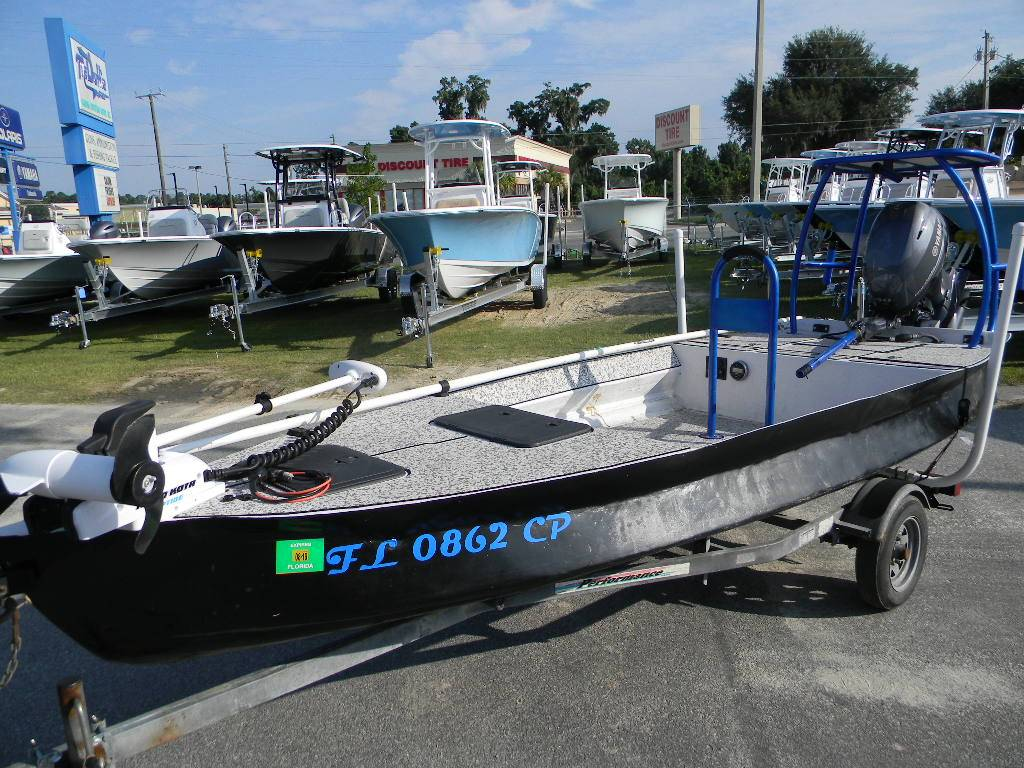 How to Find Out Essential Boat Trailer Accessories?