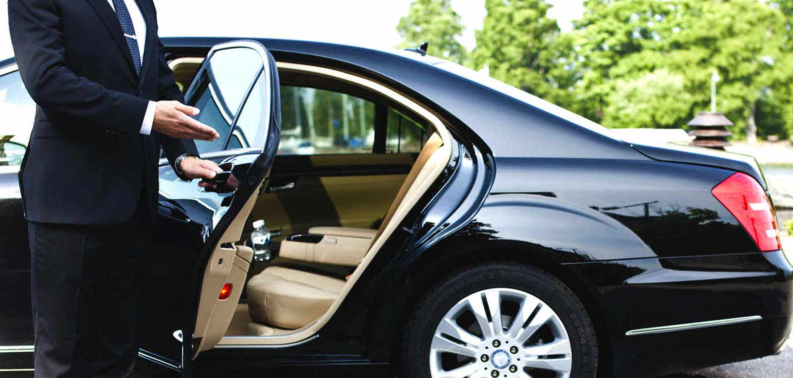 Hire the Professional Limo Service