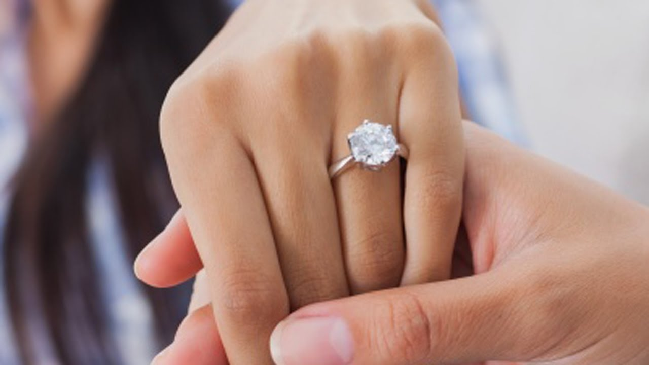 6 Vital Things to Know When Buying an Engagement Ring
