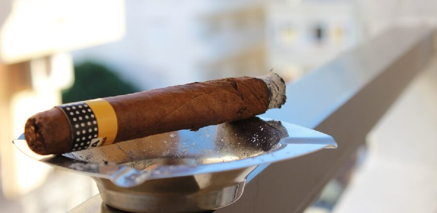 What is a Filtered Smokeless Ashtray?