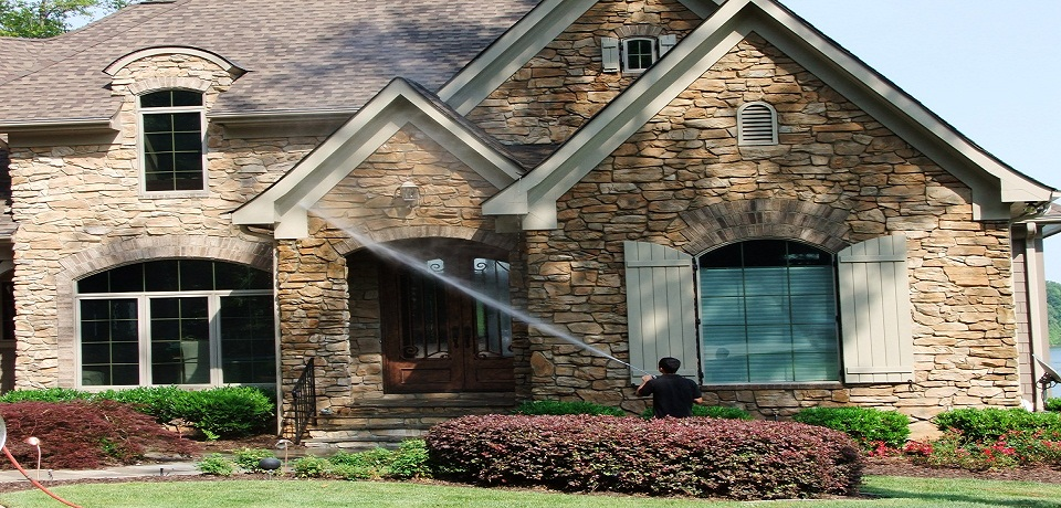 Why Should You Choose Pressure Washing Services For Cleaning Your House?