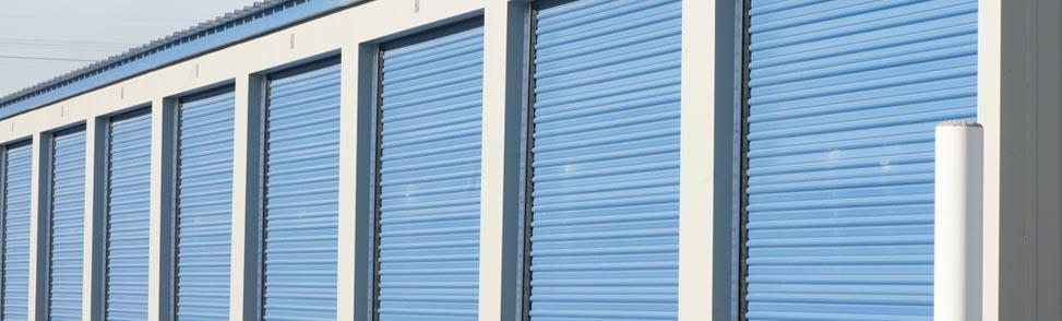 How to choose between indoor and outdoor storage