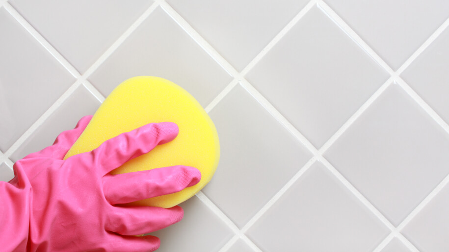 Effective Tips for Cleaning Bathroom Tiles
