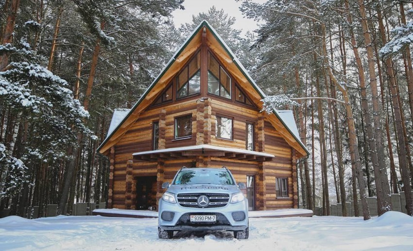Why Do People Prefer Living In A Log House?
