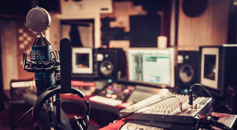 Essential Music Recording Studio Equipment for Beginners