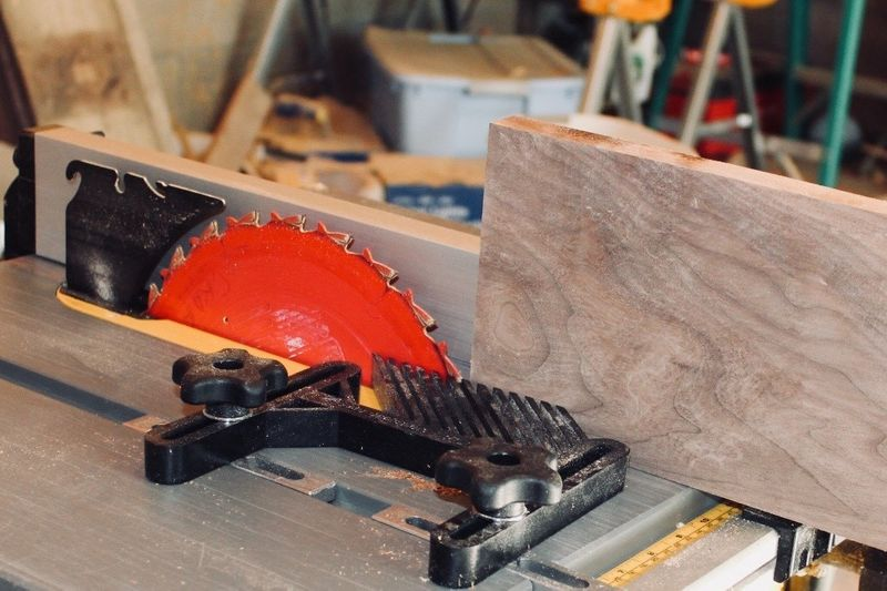 Tips to Purchase a Good Table Saw at Affordable Price