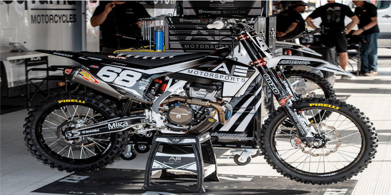 How to Jazz Up Your Motor Bike with MX Graphics?